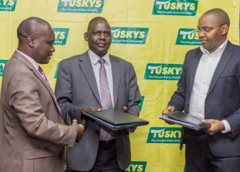 KenyaUnionof Commercial Food and Allied Workers Assistant Secretary General Mike Oranga (left) andFirst Deputy Secretary General Mr. Andrew Kinyua with Tusker Mattresses Group CEO Dan Githua (rIght) www.exchange.co.tz