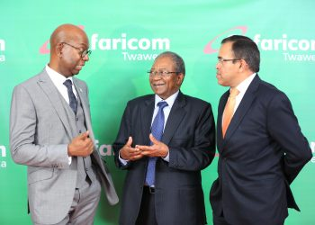 L-R: Safaricom CEO and Executive Director, Bob Collymore, Safaricom Chairman Nicholas Ng'ang'a and Sateesh Kamath. Safaricom says it will announce new data packages in the next few months.