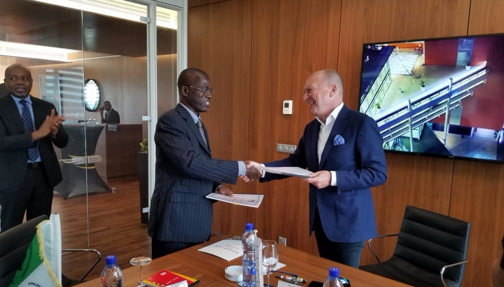 Rawbank CEO Thierry Taeymans (R) says that the credit will boost the Congolese private sector. The African Development Bank (AfDB) will boost the private sector in the DRC by providing a USD15 million credit line to Rawbank. www.exchange.co.tz