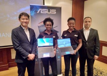 ASUS General Manager, PC & Gamimg for East Europe, Middle East and Africa Mr. Benjamin Yeh,(left) and ASUS Regional Manager for Africa, Israel and Turkey Bora Aras (r) pose with models at the launch of the new laptop models ZenBook, VivoBook and TUF Gaming in Nairobi. The company is eying an expanded presence in Kenya and East Africa