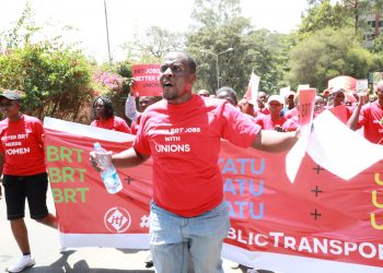 Matatu Workers on the streets in Nairobi on Friday, calling for involvement in the implementation of the Bus Rapid Transit System